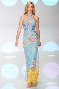 spring-2004-ready-to-wear/valentino/collection