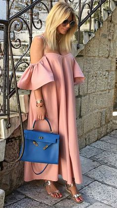 Related posts:Nice bridal for Autumn shinning hairNice hair color - new ideas for our inspiration Classy Dress, Classy Outfits, Chic Outfits, Fashion Outfits, Style Fashion, Fashion Tips, African Maxi Dresses, Latest African Fashion Dresses, Casual Dresses