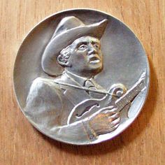 Ron Landis - Bill Monroe - Carving On 1994 Silver Eagle Proof Bill Monroe, Hobo Nickel, Coin Art, Silver Eagles, Coins, Carving, Train, Drawings, Rooms