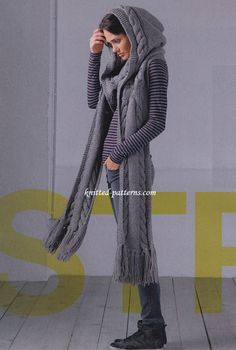 Hooded scarf free knitting pattern, with cable work and intricate details. Find more free knitting patterns on this website. Easy Knitting, Knitting Patterns Free, Knit Patterns, Free Pattern, Knitting Scarves, Loom Knitting, Scarf Knit, Cape Scarf, Diy Scarf