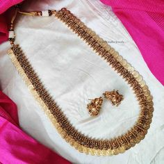 Traditional Lakshmi Coin Haram Bridal Jewelry, Gold Jewelry, Jewelry Bracelets, Gold Haram Designs, Coin Design, South India, Temple Jewellery, Bridal Looks, Indian Jewelry