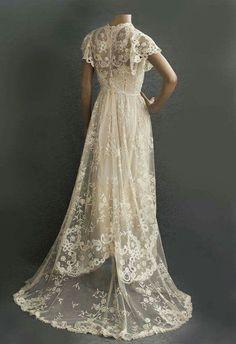 Antique Wedding Dresses, Vintage Gowns, Mode Vintage, Vintage Lace, Vintage Outfits, Lace Wedding, Dress Vintage, Dress Wedding, Antique Lace