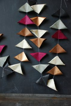 Fine Paper Garland by GlitterandGrain. Could do with paper or fabric squares. Diy Projects To Try, Crafts To Make, Crafts For Kids, Diy Wall Art, Diy Art, Paint Chip Art, Paint Chips, Cardboard Crafts, Paper Crafts