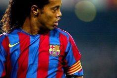 Najpiękniejsze gole w karierze jednego z najlepszych piłkarzy na świecie • Piękne bramki wielkiego Ronaldinho • Wejdź i zobacz film >> #ronaldinho #football #soccer #sports #pilkanozna