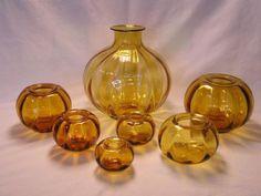 """W.J. Rozendaal - Kristalunie Maastricht -  complete 7-delige set """"de Tomaat"""" - kleur amber - 1929 modellen 1 (28 cm), 2 (15,5 cm), 3 (13 cm), 4 (12), 5 (11 cm), 6 (9 cm) en 7 (8 cm)"""