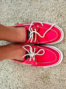 Pink Sperrys good old dock shoes Cute Shoes, Me Too Shoes, Red Shoes, Pretty Shoes, Shoe Boots, Shoe Bag, Sperry Shoes, Crazy Shoes, Shoes