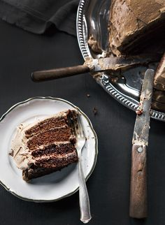 Food I Would Eat in Iceland: Djöflaterta - Devil's cake. This type of chocolate cake is very popular all over Iceland, and you can buy a slice in most cafes and bakeries. Best when it has been frozen and thawed before glazing, and thus nicely moist. Cupcake Recipes, Cupcake Cakes, Dessert Recipes, Cupcakes, Just Desserts, Delicious Desserts, Yummy Food, Icelandic Cuisine, Cake Cookies