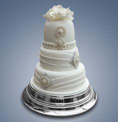 Biela elegancia / White elegance - Wedding cake Cameo Cake, Desserts, Food, Elegant, Tailgate Desserts, Deserts, Essen, Postres, Meals