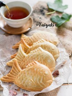 Taiyaki is Japanese fish shaped waffle filled with 'An' the sweet red bean paste. Taiyaki is famous Japanese street food sweets. Read Recipe by RachaelWhiteSTT Japanese Pastries, Japanese Dishes, Japanese Sweets, Japanese Deserts, French Pastries, Easy Japanese Recipes, Asian Recipes, Sushi Recipes, Vegetarian Recipes