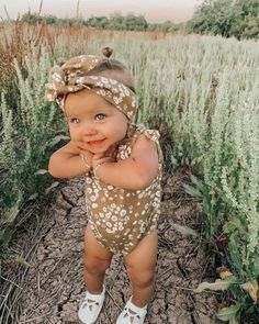 Cute Baby Girl Outfits, Cute Baby Clothes, Stylish Baby Girls, Organic Baby Clothes, Western Babies, Country Babies, Outfits Niños, Foto Baby, Cute Baby Pictures