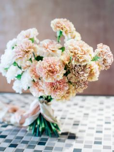 Peach, white and variegated brown ombré carnation bouquet // Carnation Inspiration