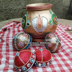 Wedding Crafts, Wedding Decorations, Coconut Decoration, Wedding Silk Saree, Crafts For Kids, Diy Crafts, Coconuts, Clay Pots, Gold Jewellery