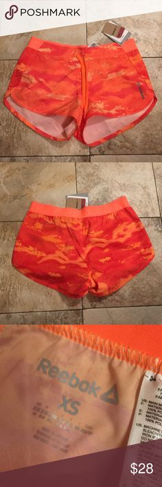Reebok shorts 🎁FREE GIFT WITH PURCHASE🎁 Slim fit brand new 🎁FREE GIFT WITH PURCHASE🎁 Reebok Shorts