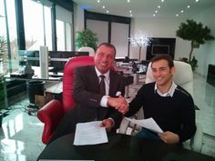 Harald Seiz and Ricky Cardus after signing the agreement for Karatbars to be his sponsor for the 2015 racing season.