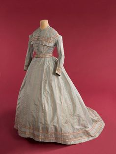 Dress  1866  French   Musee de la Mode