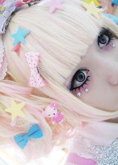 Japanese Sweet Lolita Girls' Pink & Blue Fashion in Harajuku Harajuku Girls, Harajuku Fashion, Japan Fashion, Kawaii Fashion, Lolita Fashion, Harajuku Makeup, Visual Kei, Cosplay, Lolita Makeup