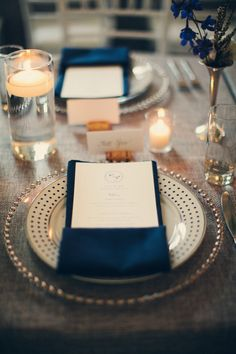 #napkins #menus #chargers Photography by carlateneyck.com/ Event Planning by eventjubilee.com Floral Design by justforyouweddings.com/ Read more - http://www.stylemepretty.com/2013/05/10/connecticut-wedding-from-jubilee-events-carla-ten-eyck-photography/