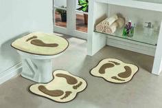 Este jogo de tapetes para banheiro formato Pegadas, tornará seu banheiro mais alegre, criativo e divertido. O produto é feito em pelúcia 100% poliéster e base EVA (etil vinil acetato), com antiderrapante fixando perfeitamente ao chão. Composto por 01 tapete de vaso, 01 tampa de vaso e 01 tapete.