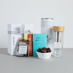 Great gift box for those that have a boring commute. Stunning flask, tea, biscuits and Fieldnotes Brand notebooks - that bus ride is going to get a whole lot easier!