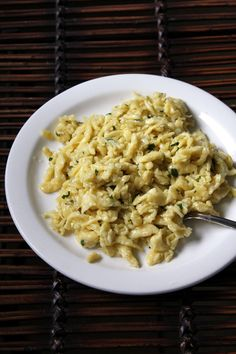 Really good detailed recipe and writeups for making spaetzle.