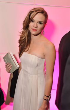 Danielle Panabaker as Caitlin Snow - The Flash Flash Tv Series, Killer Frost, Danielle Panabaker, Bold And The Beautiful, Beautiful Women, Star Girl, Gal Gadot, Celebs, Celebrities