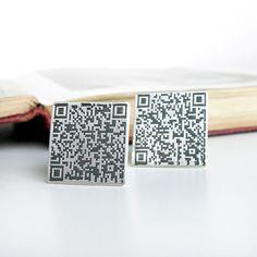 QR code sterling silver cufflinks via Etsy.    Sejt hvis man kan selvpromoverer sig selv på den måde