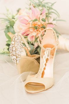 9 Bridal Accessories Youll Need on Your Wedding Day - Badgley Mischka wedding shoes- gold heels for bride {Manda Weaver Photography}