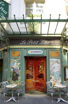 Cafe bistro restaurant bakery pub tea room on for Restaurant le miroir paris 18