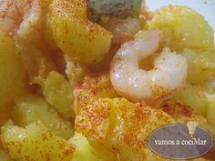 Patatas con langostinos a la gallega