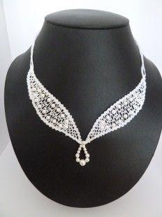 Bijoux-mariage Création unique collier Eloïse, fait main en dentelle aux fuseaux,  Réalisé en lin et perles nacrées Swarovski,  Fermoir en argent, Eloise c'est la perfection - 3849595