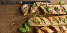Boodschappen - Stokbrood met pesto, roomkaas en bosui