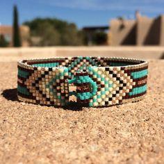 Ruidoso turquesa bolas telar pulsera Boho Chic por PuebloAndCo