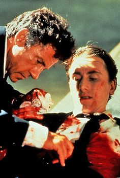 Tim Roth & Harvey Kietel in Reservoir Dogs. Reservoir Dogs, Great Films, Good Movies, 1990s Films, Quentin Tarantino Films, Non Plus Ultra, Tim Roth, Fritz Lang, About Time Movie