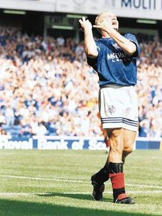 Rangers Football, Rangers Fc, Football Soccer, English Legends, Blues Brothers, Football Pictures, Red White Blue, Glasgow, Superstar