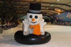 Welkom allemaal in mijn Snowparadijs! Dan is het nu tijd voor lol trappen! Ik ga met de band naar beneden! Dit wordt lachen!!