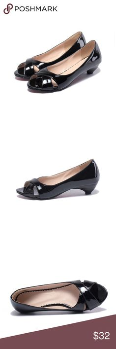"""Black Patent Mid Heel Mid heel patent shoes - comes with original box.  Heel measures approximately 1.45 inches"""" Manmade sole PU lined insole Heel Height: 1.45"""" Patent Leather PU material upper Slightly padded insole for added comfort Shoes"""