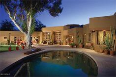 UNDERSTATED SOPHISTICATION | Paradise Valley, AZ | Luxury Portfolio International Member - Walt Danley Realty