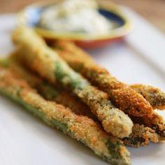 Parmesan Crusted Asparagus with Creamy Garlic Mayo