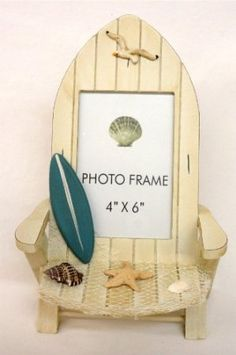 Beach Chair with Surfboard Photo Frame: I'm thinking maybe a craft's project with popsicle sticks...