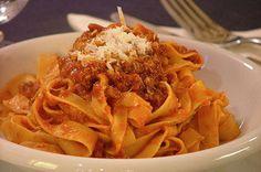 Italian food - Tagliatelle al ragù