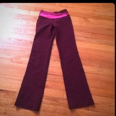 Lululemon groove pants 2 Great condition Lululemon groove pants size 2 lululemon athletica Pants