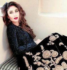 World's Beauty!!! Kareena Kapoor Khan in black Lehenga and Bold Red Lips