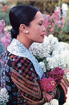 Her Majesty Queen Sirikit Of Thailand Queen Sirikit, Thailand Photos, Who People, Bhumibol Adulyadej, Her Majesty The Queen, Royal House, King Of Kings, Famous Women, Royal Fashion