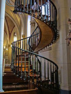 Loretto Chapel Staircase, Santa Fe, lorettochapel.com/staircase.html