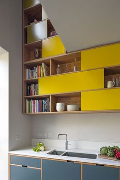 Sliding doors over the cabinets are fun and give more flexibility Small Cabin Kitchens, Home Kitchens, Plywood Furniture, Furniture Design, Plywood Floors, Kid Furniture, Modern Furniture, Kitchen Ideas Victorian Terrace, Modern Retro Kitchen