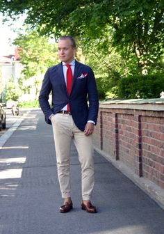 Navy, Red and Khaki - The Nordic Fit