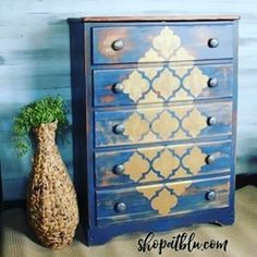 My accidental Bling!  I just never know what I will end up with.  #fabfurnitureflippincontest #bluebuildingtreasures #blingitout  #sponsor
