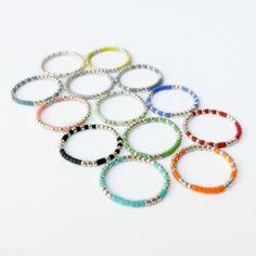 _*+ Trois Bagues sur mesure en argent 925/1000+*_ 3 Bagues composées de micro perles en argent et de petites perles en verre de couleur *Couleurs au choix:* Blue...