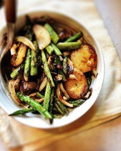 Asparagus, shiitake, potato, green been, onion stir fry w/ Gardein beefless tips