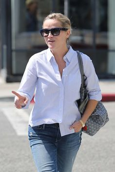Reese Witherspoon - Reese Witherspoon Out on a Lunch Date